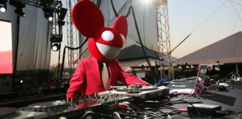 deadmau5 punched in the head in Australia…