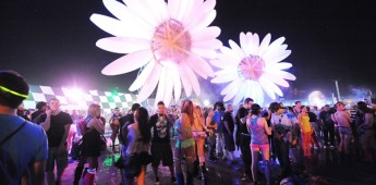 Electric Daisy Carnival – a pyrotechnicians wet dream